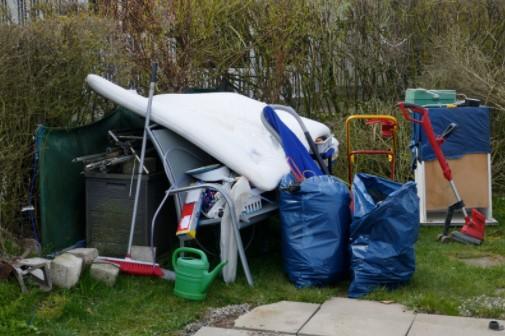 Environmental Benefits of Hiring Professional Rubbish Removal Company