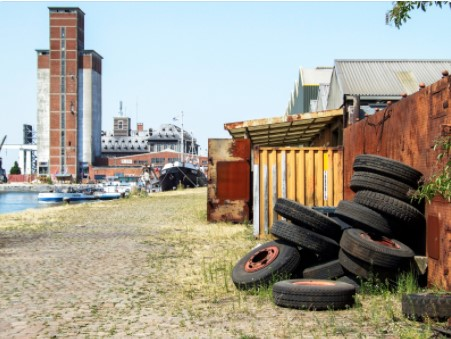 reason to hire junk removal services